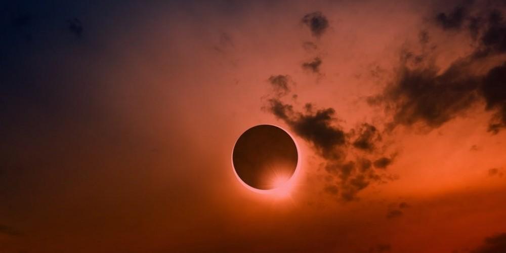 Tam Güneş Tutulması Bugün Akşam Saatleri Kuzey Amerika'dan İzlenecek